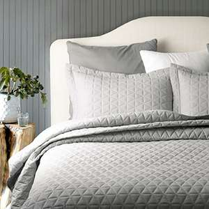 100% Cotton Quilted Grey Bedspreads for Single Bed £23.99  Sold by Bedsure Direct and Fulfilled by Amazon