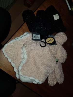 Primark Babies Hat n Mittens - Reduced from £4 to 50p instore (Hackney, London)