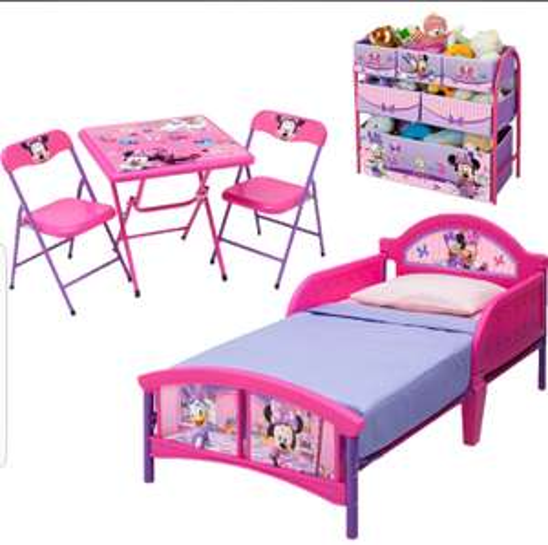 DISNEY JUNIOR  Minnie Mouse Pink Five Piece Bedroom Set £99.99 delivered @ TK Maxx