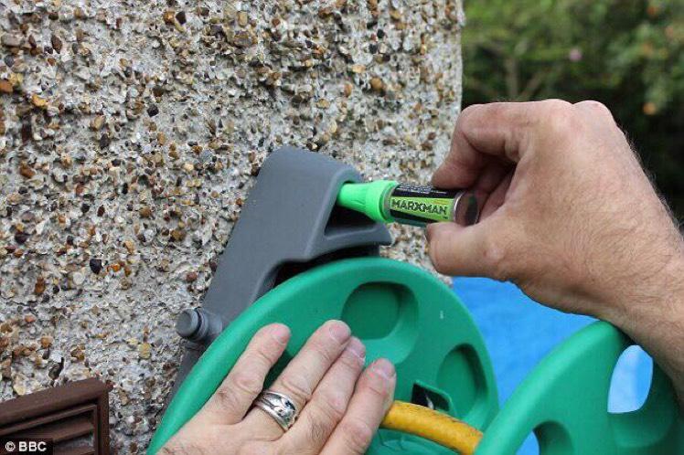 Marxman Chalk Non-Permanent DIY Marking Tool £4.62 (Prime) / £8.61 (non Prime) at Amazon