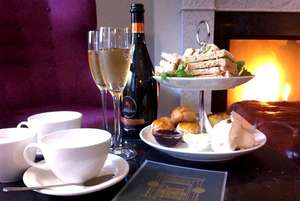Edinburgh Hotel stay inc afternoon tea & Bottle of Prosecco in room, Breakfast & late checkout from £44.50pp @ Travelzoo