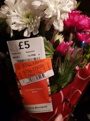 COOP reduced to clear Valentine's bouquet was £5 now 75p