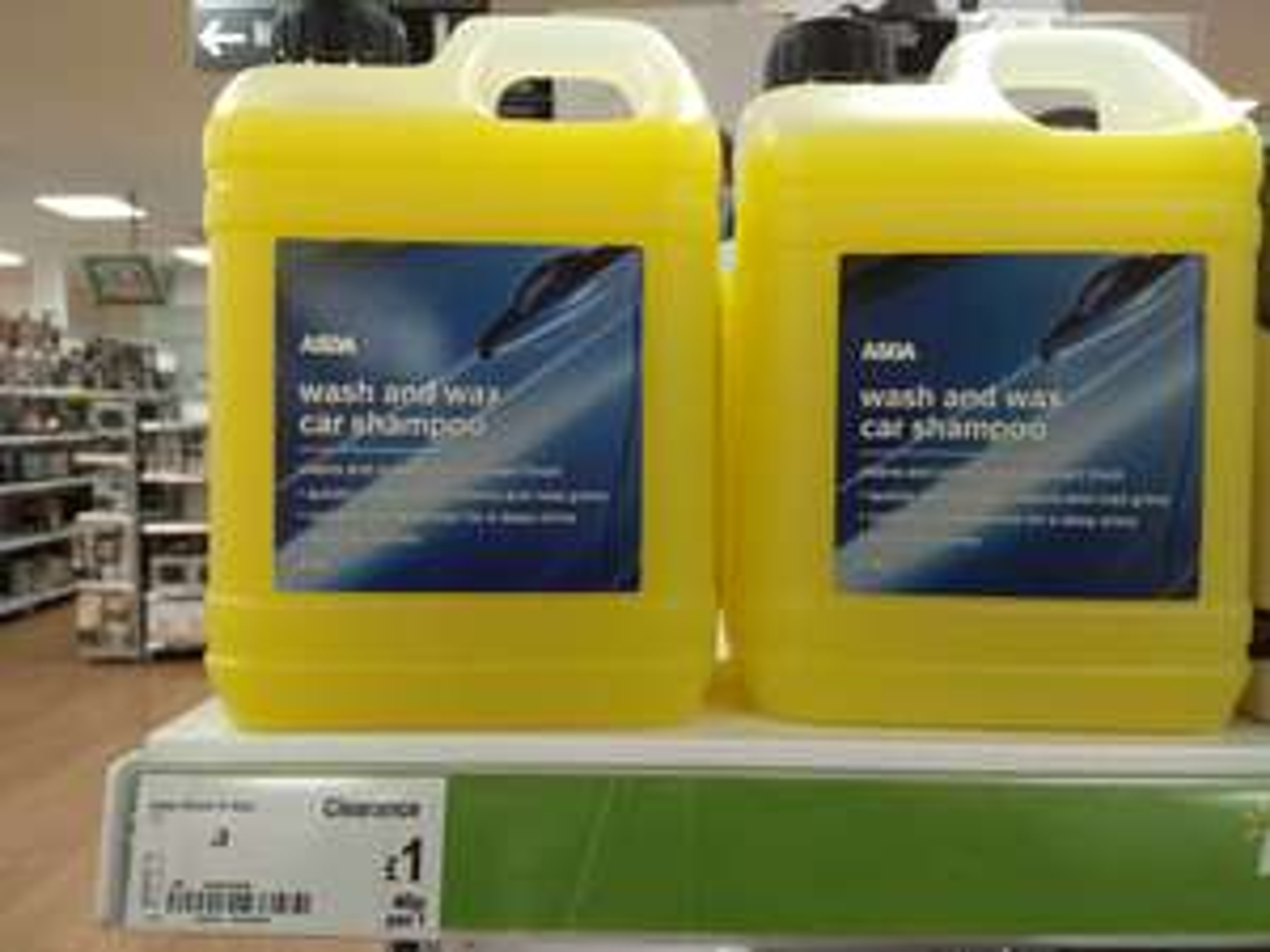 Asda wash and wax car shampoo 2.5 litre - £1 instore