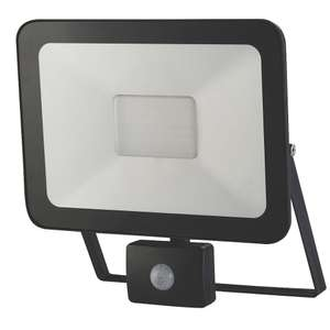 LAP SLIMLINE LED PIR FLOODLIGHT BLACK 50W COOL WHITE - £24.99 @ Screwfix