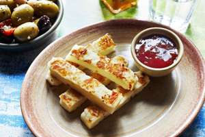 NEW - Nando's Halloumi Fries £3.70