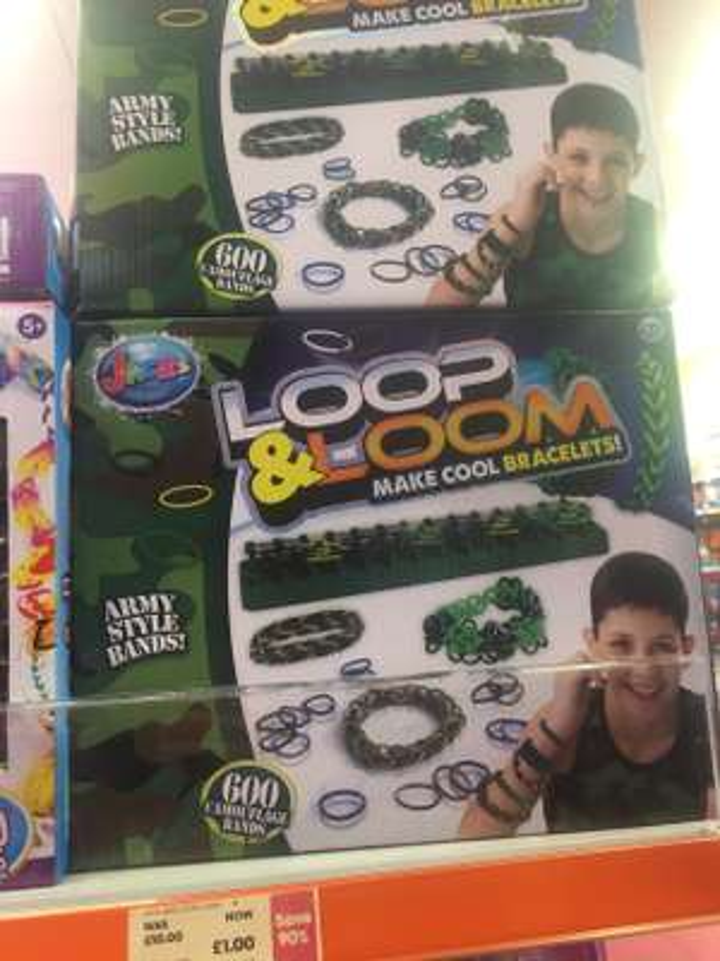 Loop & Loom bracelet making kit £1 in the entertainer Wakefield