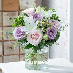 £10 off Bouquets Over £30 with Code @ Blossoming Gifts