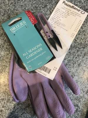 Briers Gardening Gloves with Small Snipper £1 in Poundland