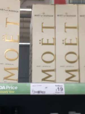 Asda robroyston Moët 750ml champagne £19 from £27 discount offer