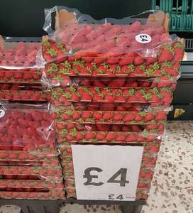 1kg Strawberries tray, £4 at Tesco instore