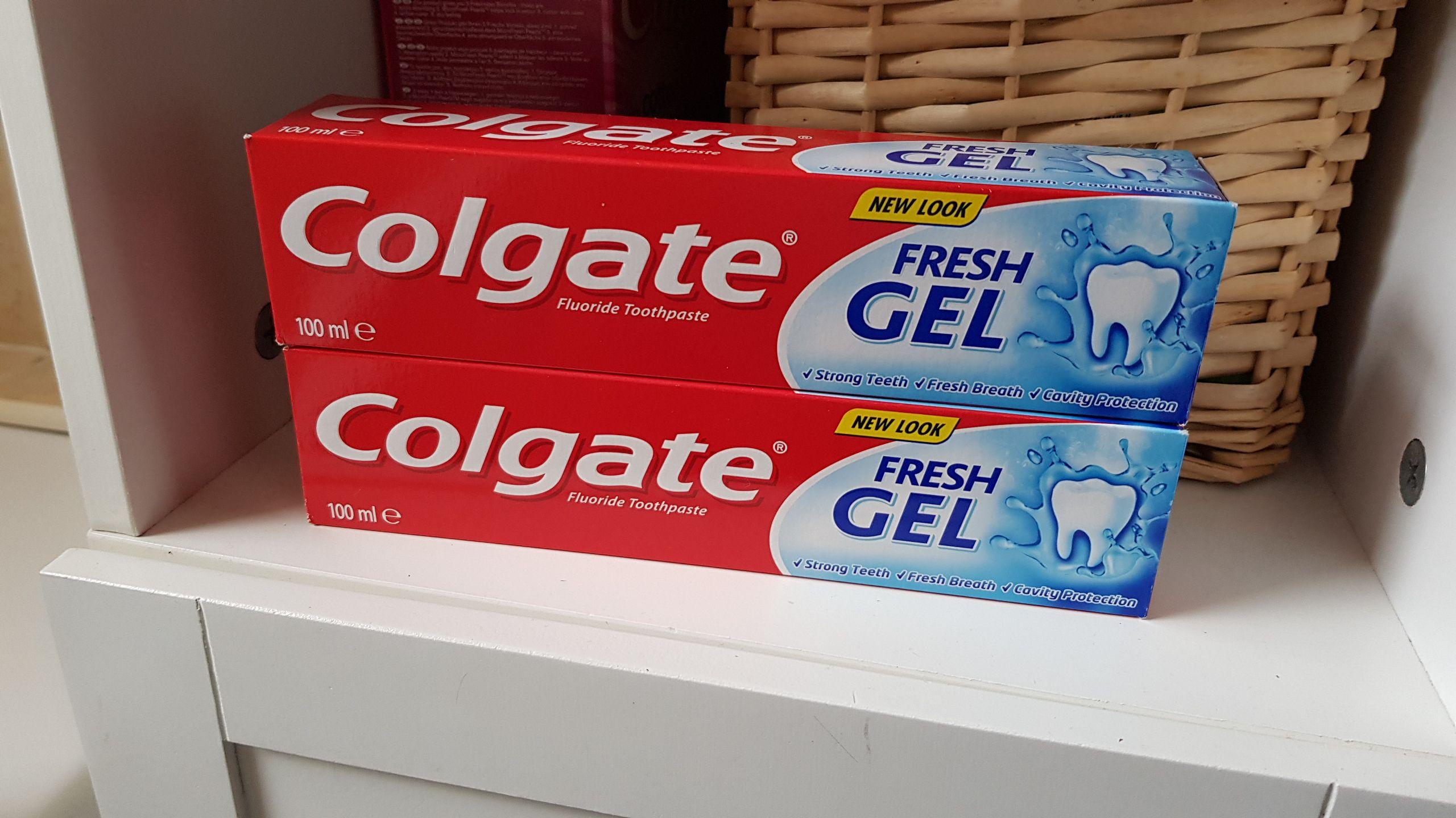 Colgate fresh gel fluoride toothpaste 100ml 80p instore @ Wilko