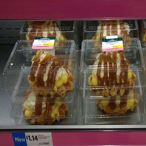 Morrisons Bakery Strawberry & Fresh Cream Waffle / Banoffee Fresh Cream Waffle - £1.14