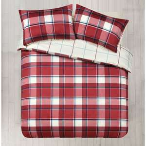 Wilko Duvet Set Double Check Design Red 1p instore