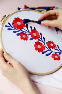 Hundreds of free embroidery and cross stitch patterns!