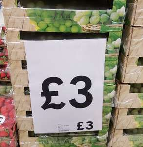 1kg Grapes tray, £3 at Tesco