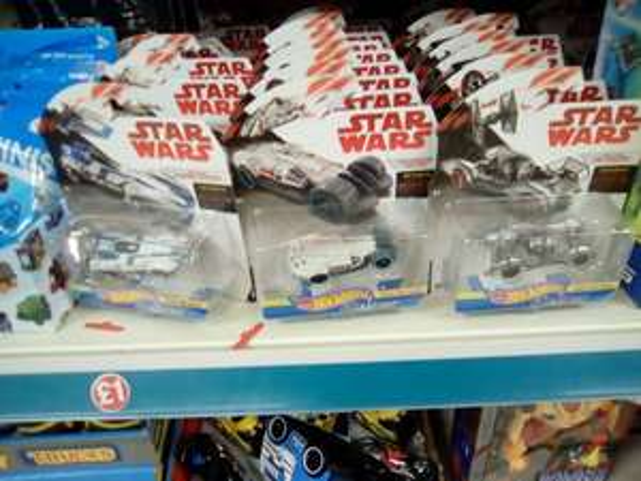 Star Wars hot wheels cars choice of 3 - £1 each @ Poundland