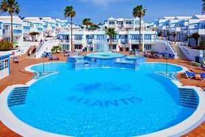 3-7nt Beachfront Lanzarote Apartment Getaway & Flights at wowcher from £149