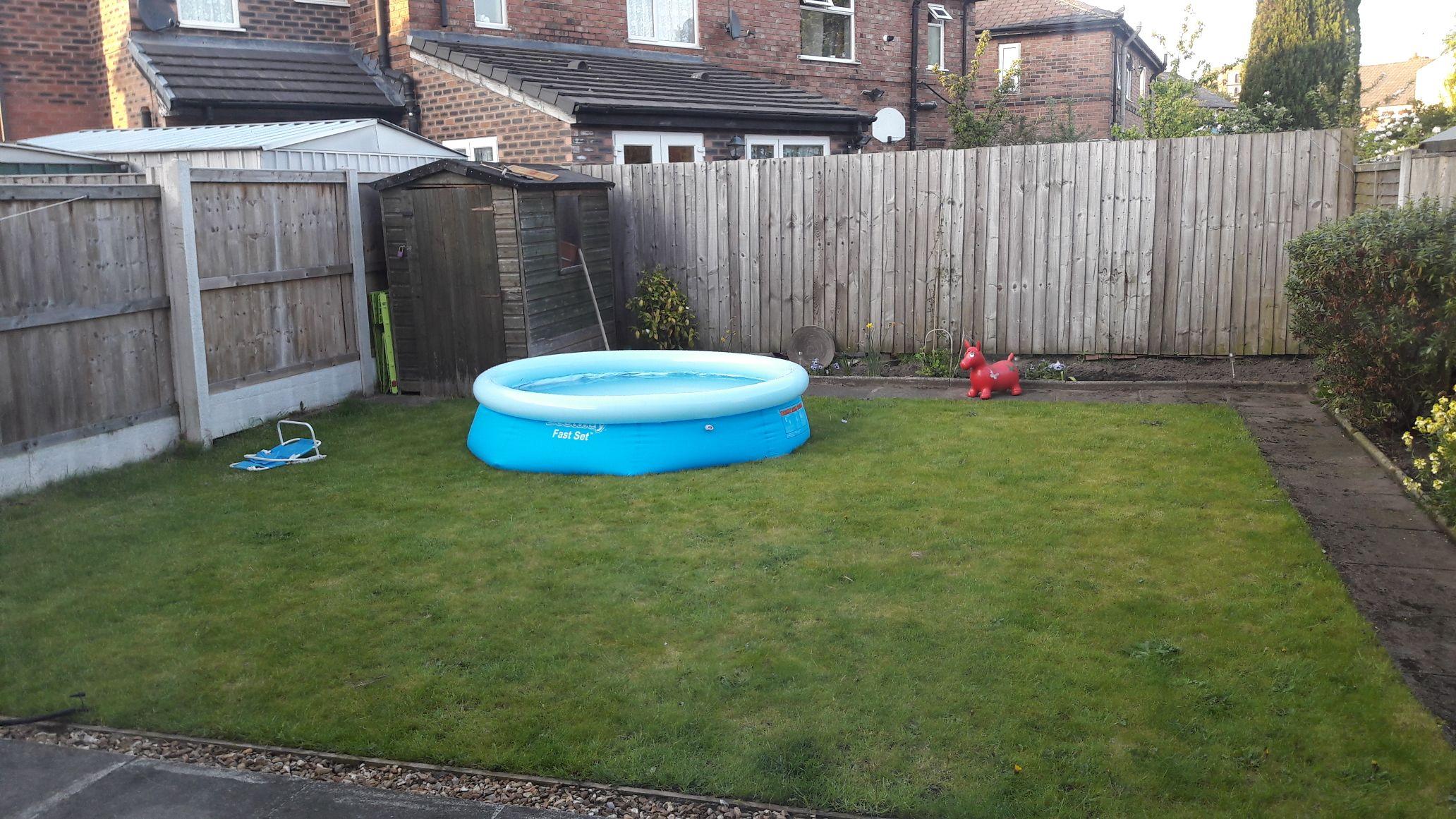 8ft paddling pool - £23.99 @ JTF online / instore