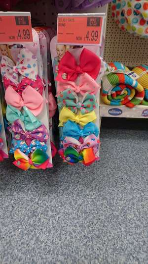 7 jojo bows @ b&m Bromborough / wirral - £4.99