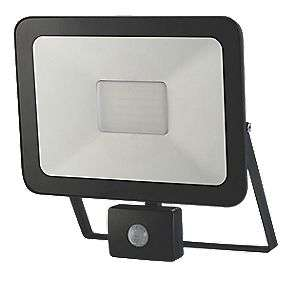 LAP SLIMLINE LED PIR FLOODLIGHT BLACK 50W COOL WHITE £12.99 @ Screwfix