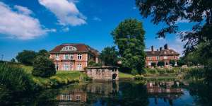 4* Mercure Shrewsbury Albrighton Hall Hotel and Spa, an 18th century manor only £59 pppn inc. 3-course dinner (worth £30pp) & wine & Full English Breakfast  @ Great Little Breaks (Sauna, Swimming Pool, Solarium)