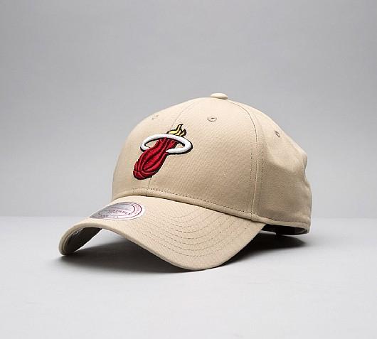 Miami Heat Strapback Cap @ Footaslyum Free c&c - £4.99