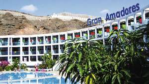2 options - 2 adults 2 kids 2T plus rated to Gran Canaria 7 nights s/c inc luggage and transfers £697.50 / £174.38pp from Manchester 19th July @ TUI