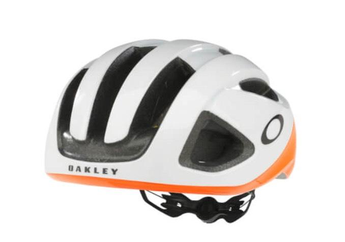 Oakley ARO3 Cycling Helmet £104.99 @ ProBikeKit