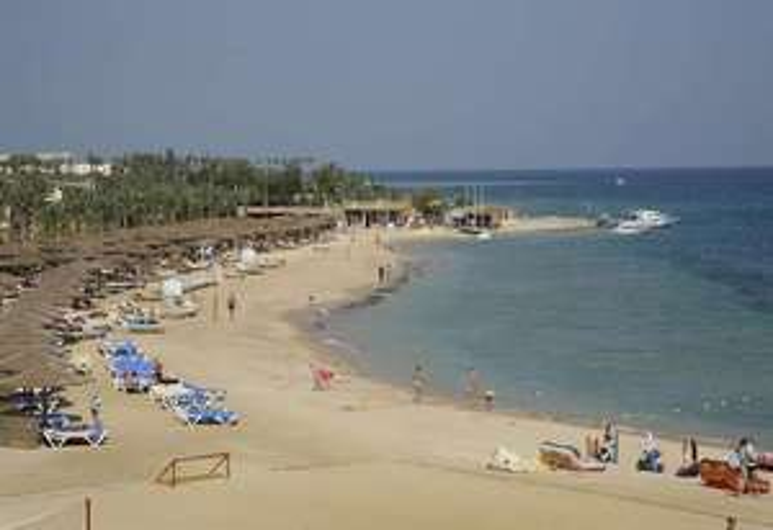 Sunrise Royal Makadi Resort & Aqua Park, Makadi Bay, Hurghada 2 Adults 1 Child, 2 weeks 5* All Inclusive £1344.06 from Stansted. @ Hotels.com