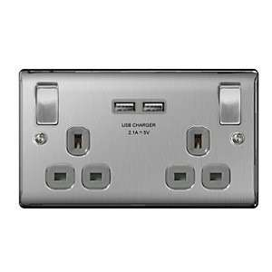 4TRADE 2 Gang USB Switched Double Socket 2.1A Brushed Steel £8.39 @ Travis Perkins C&C