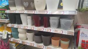 Indoor plant pots reduced to clear @ Wilko Southampton - 25p