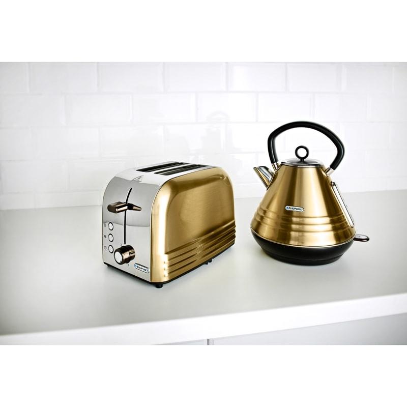 Blaupunkt gold stripe Toaster & Pyramid Kettle breakfast set now £39.99 @ B & M