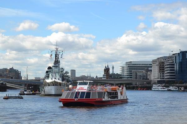 Thames Boat Cruise 2 For 1 - £11.57 @ BuyAGift