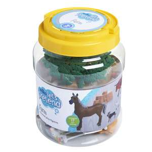 Assorted play figure bucket available in Farm, Army and Dinosaur Varieties only £1 @ Wilko