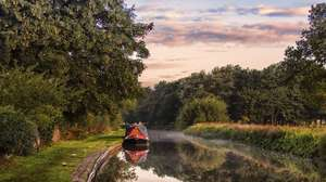 90 minute Lancashire canal cruise for 2 with either breakfast & bucks fizz, afternoon tea with fizz or hotpot and wine £29 / £14.50pp @ Travel Zoo