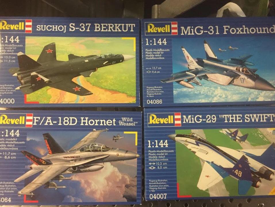 Revell 1/144 Plastic Model Aircraft Kits £1.99 @ Home Bargains
