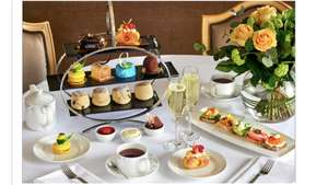 Chocoholic Afternoon Tea for Two at The London Hilton Park Lane £49 @ BuyaGift now £36.75 for 2