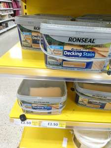 """Ronseal """"Perfect Finish"""" Decking Stain 5L Inc Deck Pad Tool for £2.50 in store @ Tesco"""