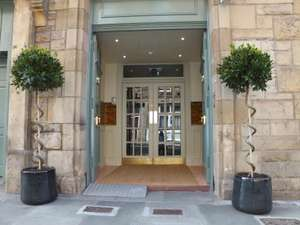 2 nights for 2 in Edinburgh with breakfast, afternoon tea, late checkout and a bottle of prosecco £129 / £64.50pp @ Travelzoo