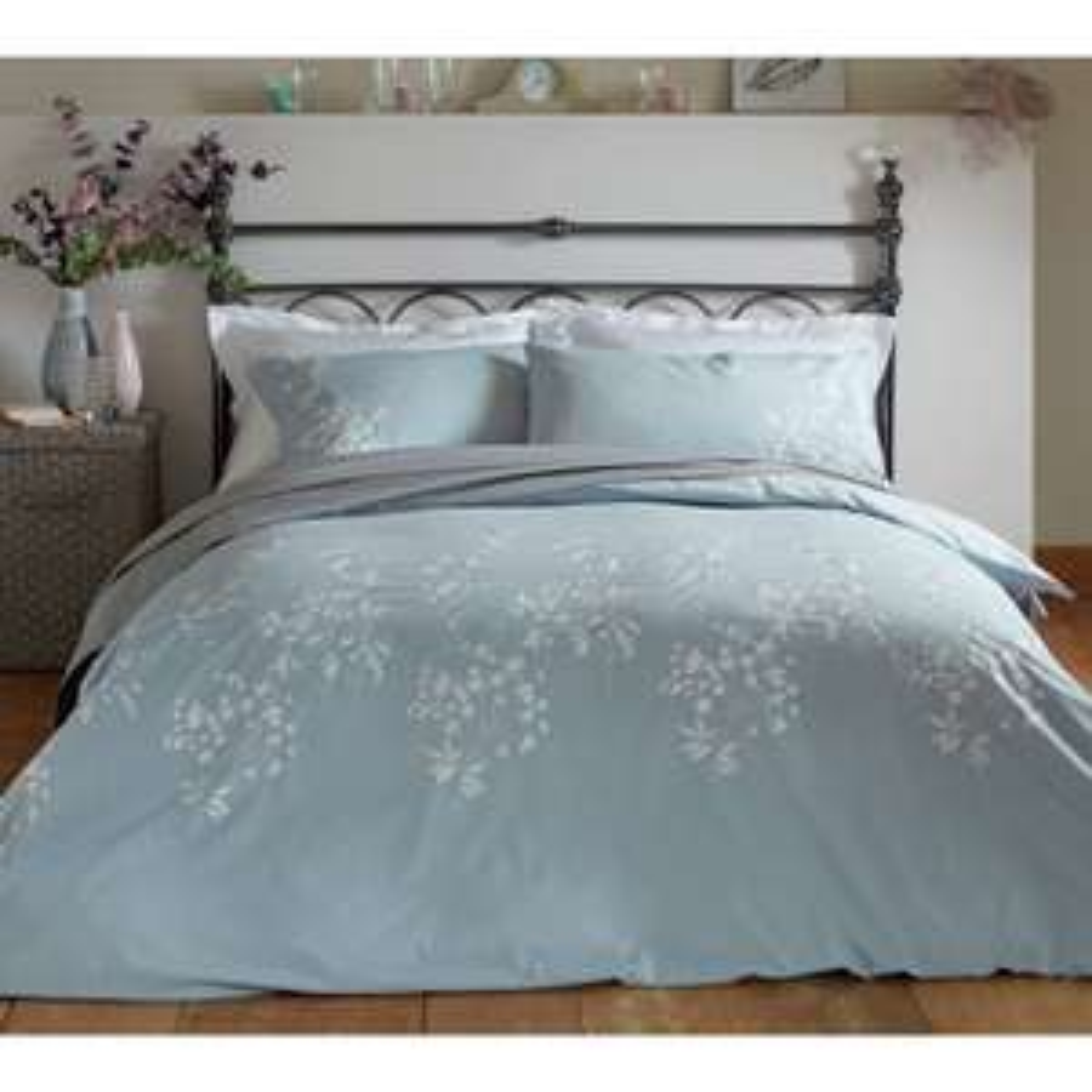 100% Cotton Percale  Embroidered Super kingsize  Bedding Set - £13.99 Delivered Argos on eBay