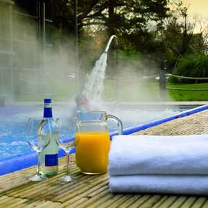 Ascot - Spa Day with 2 Elemis Treatments + glass of prosecco + all day access to facilities + robe/towel/slipper hire £49 @ Travelzoo