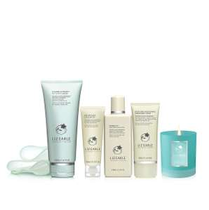 39% off Liz Earle Relax and Glow collection. Worth £115 Now £70. Free delivery.