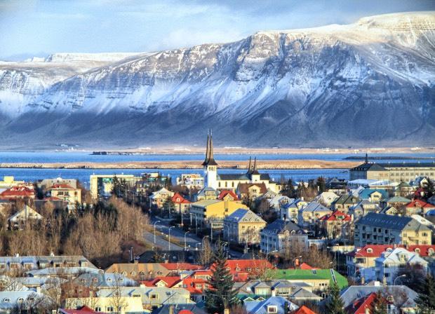 4 nights in Reykjavík, Iceland for just £144 each (total £287) including flights, hotel and breakfast @ EasyJet