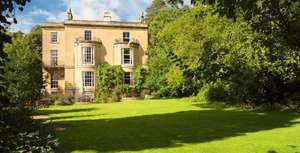1 night for 2 in AA Gold 4 star Lodge in Bath inc champagne breakfast, bottle of Champagne in room, 3 course lunch & wine £129 @ Travelzoo