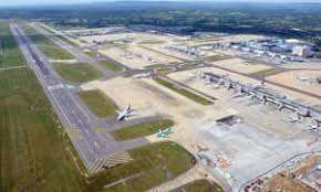 Get lounge access for 2 at Gatwick Airport for £12 (£6p/p) @ Expedia.com