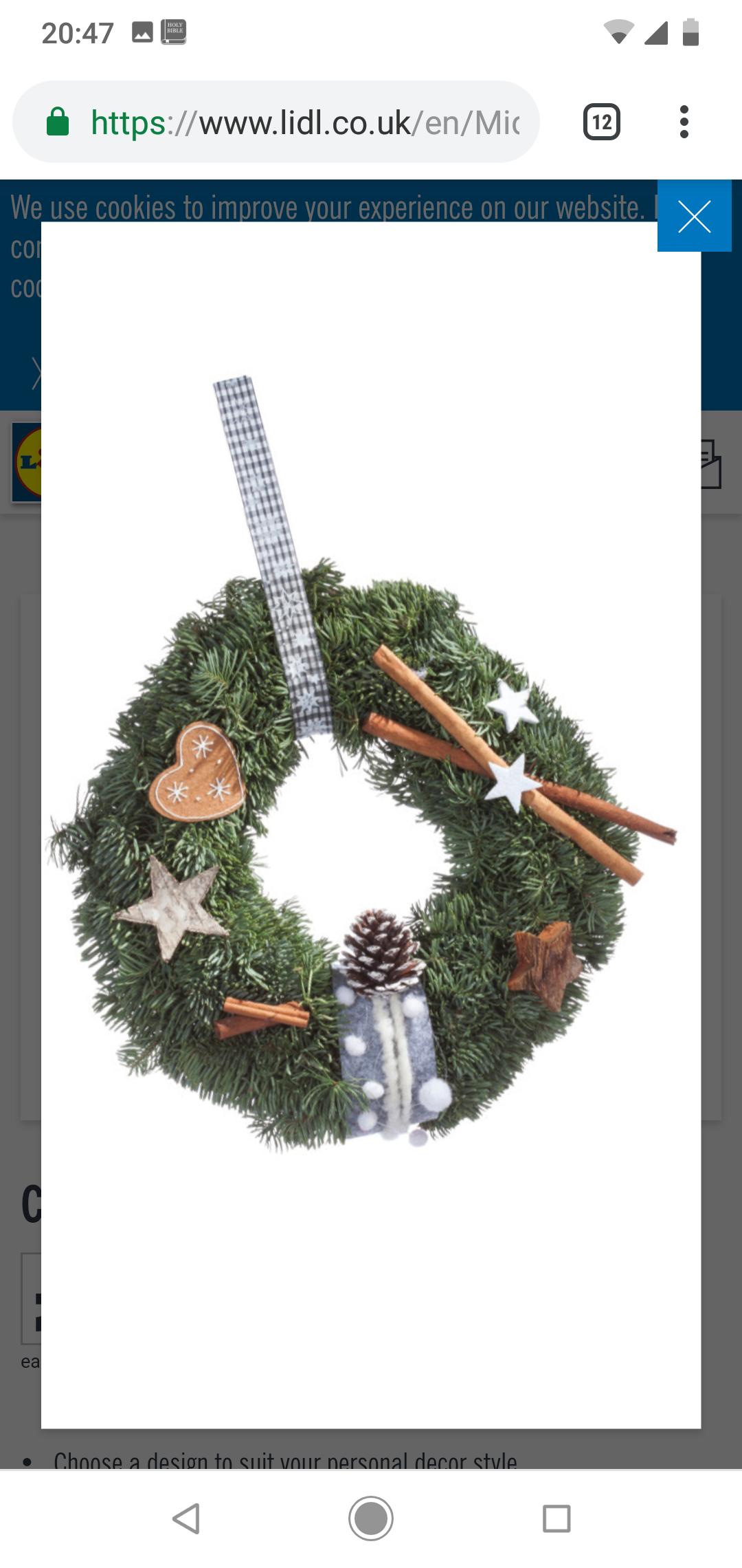 Christmas wreath £5.99 - lidl