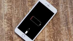Last Chance to Get iPhone Battery Replacement For £25 with Apple