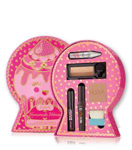 """Homemade Hotness """"recipe for sexy!"""" full-face makeup kit worth £53.09 @ Benefitcosmetics  now only £19.66 with 2 free samples"""