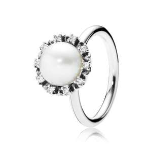 Pandora SPARKLING PEARL RING Sterling Silver, Beige, Mixed Stones 70% off now £25 free del till 31/12