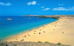 Flights to Lanzarote for £5 one way @ Ryanair